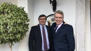 Πάιατ: Σαφής ένδειξη του ηγετικού ρόλου της Ελλάδας η επίσκεψη Πάλμερ