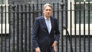 Βρετανία: Παραιτείται από βουλευτής ο πρώην ΥΠΟΙΚ Φίλιπ Χάμοντ
