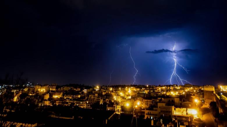 Έκτακτο δελτίο καιρού: Καταιγίδες και χαλαζοπτώσεις τις επόμενες ώρες