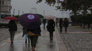 Καιρός: Άστατος την Πέμπτη με βροχές και καταιγίδες