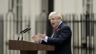 Τζόνσον: Αν δεν υλοποιήσουμε το Brexit, θα αντιμετωπίσουμε το «σόου τρόμου» του Κόρμπιν