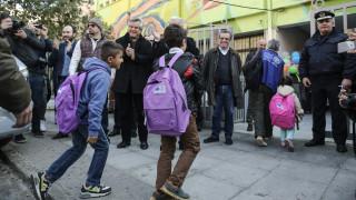 Ρατσιστική επίθεση σε προσφυγόπουλο: Σε εξέλιξη οι έρευνες της ΕΛ.ΑΣ - Καταδικάζει η Κεραμέως
