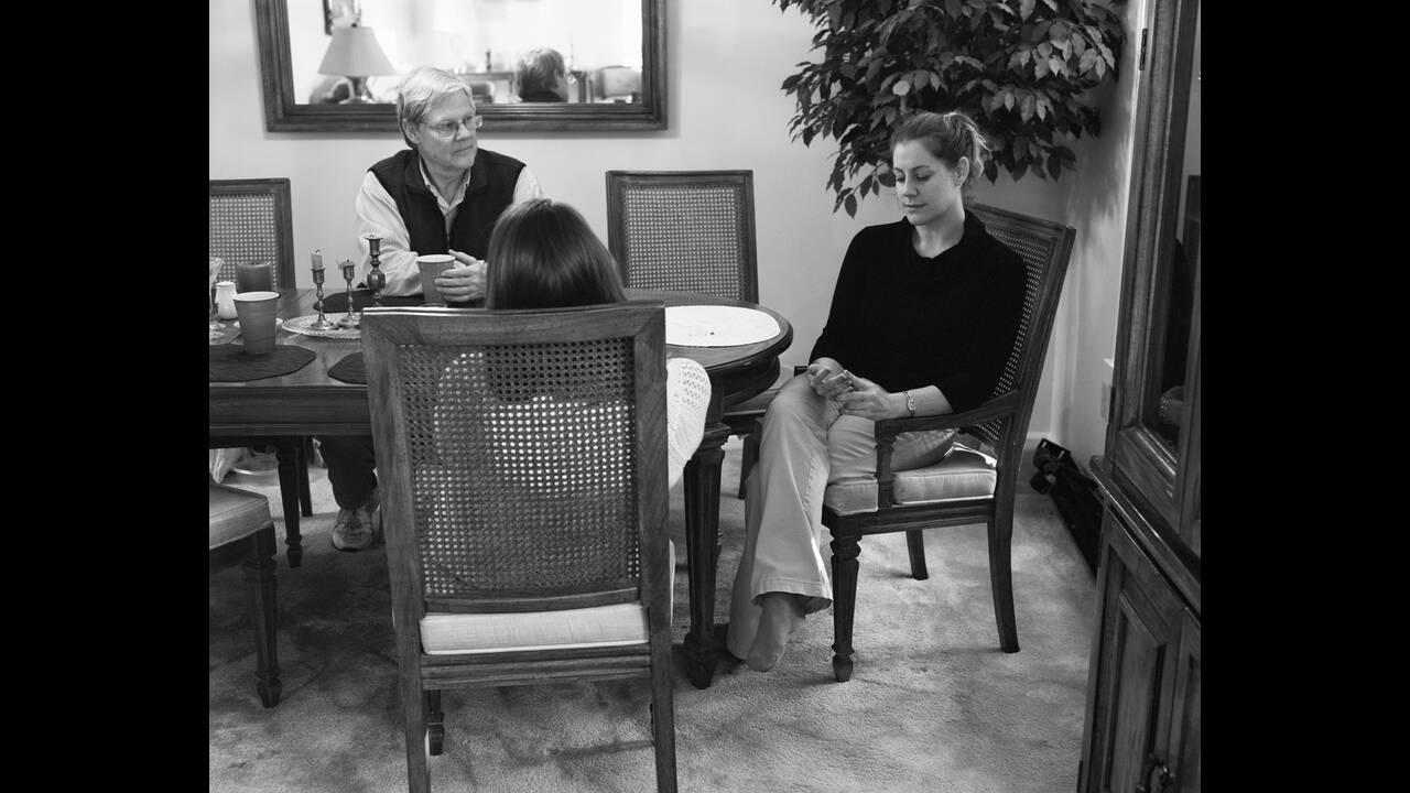 https://cdn.cnngreece.gr/media/news/2019/11/07/196557/photos/snapshot/Eric-Pickersgill-Removed-Cara_After_Thanksgiving-Low-Resolution.jpg