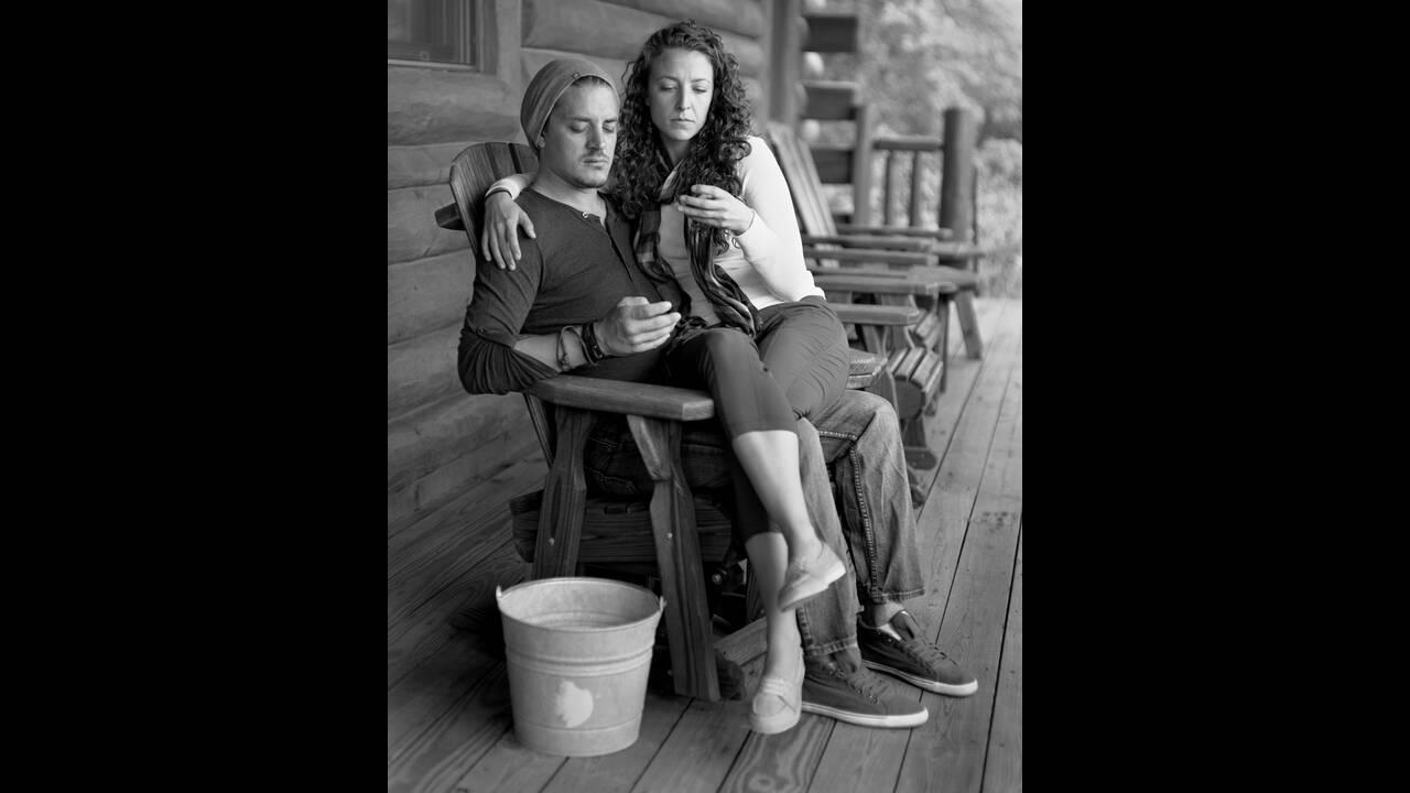 https://cdn.cnngreece.gr/media/news/2019/11/07/196557/photos/snapshot/Eric-Pickersgill-Removed-Cody_and_Erica-Low-Resolution.jpg