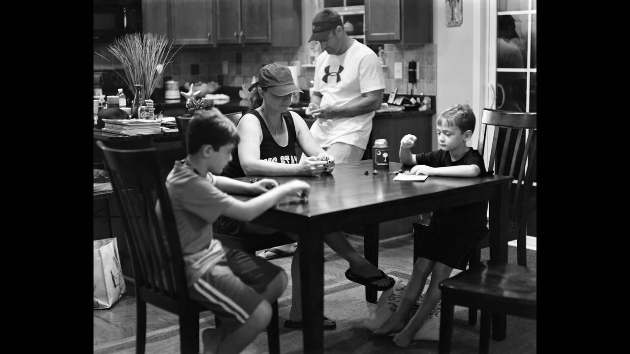 https://cdn.cnngreece.gr/media/news/2019/11/07/196557/photos/snapshot/Eric-Pickersgill-Removed-Wendy_Brian_Hunter_and_Harper-Low-Resolution.jpg