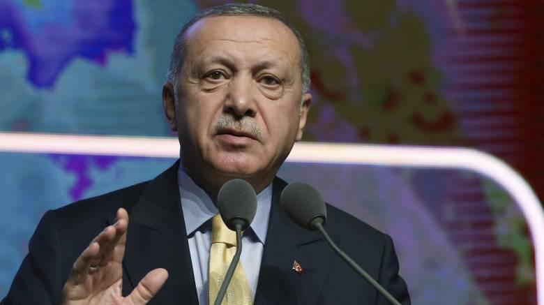 Νέες απειλές Ερντογάν ότι θα «ανοίξει τις πόρτες» για τους πρόσφυγες προς την Ευρώπη