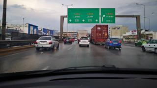 Κακοκαιρία - Κίνηση στους δρόμους: Μποτιλιάρισμα και ταλαιπωρία λόγω βροχής