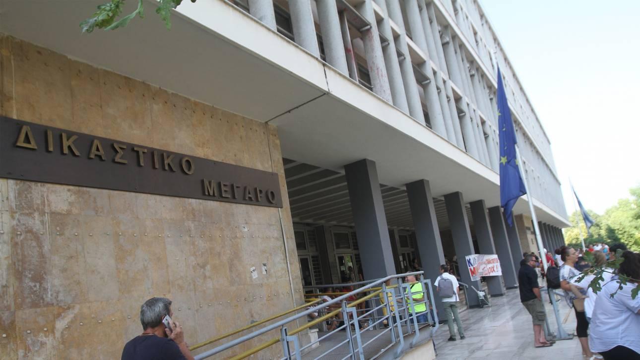 Άγρια συμπλοκή στο δικαστικό μέγαρο της Θεσσαλονίκης: Ένας τραυματίας και τέσσερις συλλήψεις