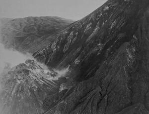 1929, Γουατεμάλα. Ο νέος κρατήρας που δημιουργήθηκε από την έκρηξη του ηφαιστείου Σάντα Μαρία, στη Γουατεμάλα.