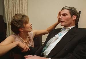 1995, Νέα Υόρκη. Η Ντέινα Ριβ με το σύζυγό της, τον ηθοποιό Κρίστοφερ Ριβ στην ετήσια συνάντηση της Αμερικανικής Ένωσης Παράλυσης (American Paralysis Association), στη Νέα Υόρκη.  Παρουσιαστής της βραδιάς θα είναι ο Πολ Νιούμαν.
