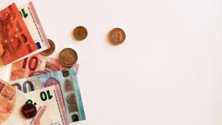 Μείωση στο όριο των συναλλαγών με μετρητά