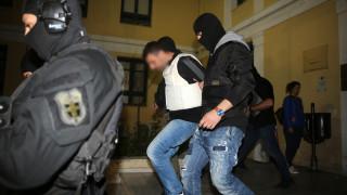 «Επαναστατική Αυτοάμυνα»: Ποινική δίωξη για 3 κακουργήματα και 5 πλημμελήματα στους συλληφθέντες