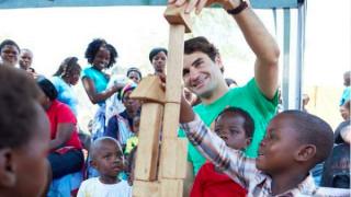 Ρότζερ Φέντερερ: Ο εκατομμυριούχος τενίστας που φτιάχνει νηπιαγωγεία στην Αφρική