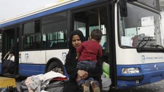 Στο λιμάνι του Πειραιά 225 μετανάστες και πρόσφυγες