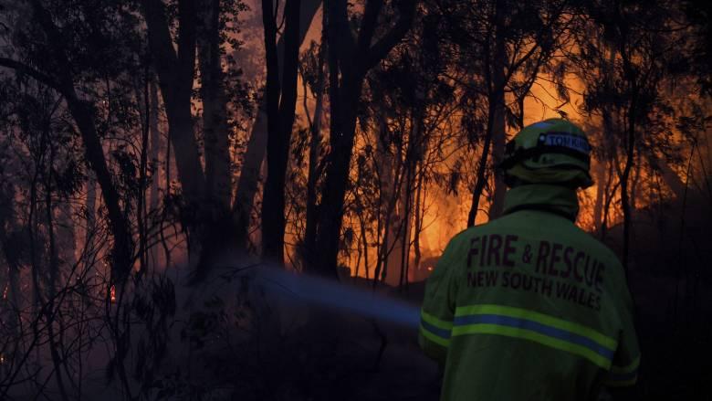Αυστραλία: Μαίνονται οι πυρκαγιές - Σε κατάσταση έκτακτης ανάγκης Κουίνσλαντ και Νέα Νότια Ουαλία
