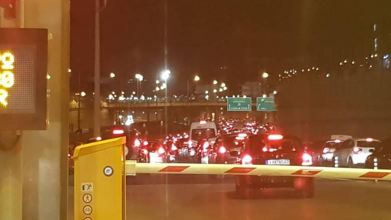 Κυκλοφοριακό κομφούζιο στους δρόμους της Αθήνας - Πού σημειώνονται καθυστερήσεις