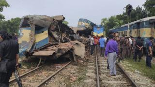 Μπαγκλαντές: Μετωπική σύγκρουση επιβατικών τρένων - 16 νεκροί και δεκάδες τραυματίες