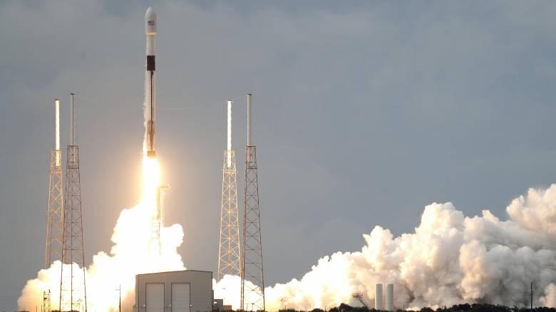Η Space X εκτόξευσε άλλους 60 μικροδορυφόρους Starlink για φθηνό και γρήγορο Ίντερνετ