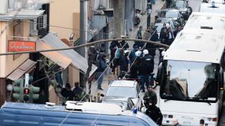 Εικόνες από τη νέα επιχείρηση της ΕΛ.ΑΣ. σε υπό κατάληψη κτήριο