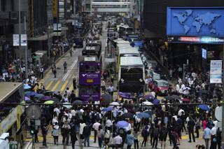 Χονγκ Κονγκ: Οι διαδηλωτές «παραλύουν» το δίκτυο μέσων μαζικής μεταφοράς