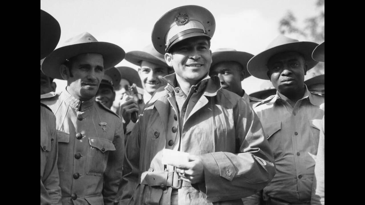 1933, Αβάνα. Ο Συνταγματάρχης Φουλγκένσιο Μπατίστα, επικεφαλής των ενόπλων δυνάμεων της Κούβας, φτάνει στο Camp Columbia, στην Αβάνα, για να παρακολουθήσει το στρατοδικείο στο οποίο θα δικαστούν οι κατηγορούμενοι για το πρόσφατο στρατιωτικό πραξικόπημα.