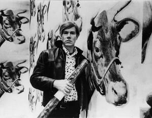1969, Νέα Υόρκη. Ο καλλιτέχνης Άντι Γουόρχολ στο ατελιέ του.