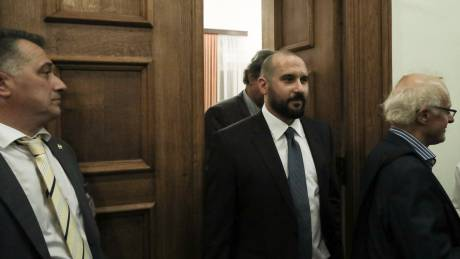 Τζανακόπουλος: Θα επιλεγούμε εμείς τον τρόπο που θα εκπροσωπούμε την ΚΟ του ΣΥΡΙΖΑ