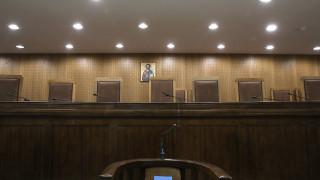 Αναβολή στη δίκη για τον ναυτικό που βρέθηκε νεκρός σε καταψύκτη - Ελεύθερη η μία κατηγορούμενη