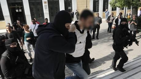 «Επαναστατική Αυτοάμυνα»: Προφυλακιστέοι οι δύο συλληφθέντες