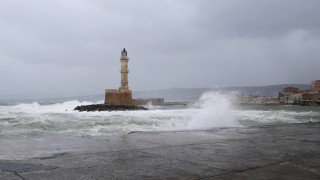 Κακοκαιρία «Βικτώρια»: «Χτύπησε» και την Κρήτη - Προβλήματα στα Χανιά
