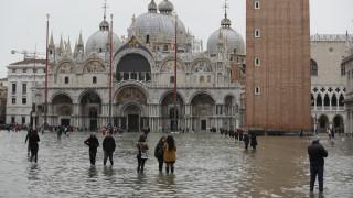 «Εικόνες αποκάλυψης» στη Βενετία: Πληροφορίες για νεκρούς