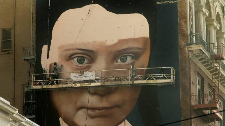 Ένα τεράστιο γκράφιτι με την Γκρέτα Τούνμπεργκ στην καρδιά του Σαν Φρανσίσκο