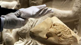 Independent: Ντροπή που ο Τζόνσον δεν επιστρέφει τα Γλυπτά του Παρθενώνα στην Ελλάδα