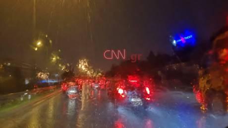 Καιρός: Ισχυρές καταιγίδες στην Αττική - Κυκλοφοριακό κομφούζιο στους δρόμους