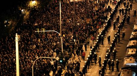 «Νόμος & τάξη» ή «ασφάλεια των πολιτών»; Σύγκρουση ΝΔ – ΣΥΡΙΖΑ με φόντο το Πολυτεχνείο