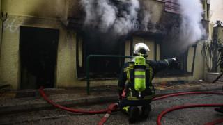 Φωτιά σε σπίτι στην Κυψέλη: Οι πρώτες εικόνες από το σημείο