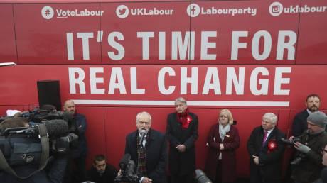 Βρετανία: Δωρεάν Ίντερνετ, εθνικοποιήσεις και δημόσιες επενδύσεις υπόσχεται ο Κόρμπιν