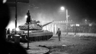 Κρατώντας ζωντανή τη μνήμη του Πολυτεχνείου: Μαρτυρίες τρόμου, πόνου και οργής