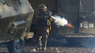 Χιλή: Αστυνομικοί εμπόδισαν τραυματιοφορείς να βοηθήσουν διαδηλωτή - Πέθανε από καρδιακή ανακοπή