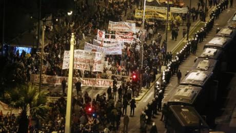 Πολυτεχνείο 2019: Χιλιάδες κόσμου έδωσαν το «παρών» στο συλλαλητήριο για την 46η επέτειο