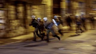 Κόντρα ΝΔ - ΣΥΡΙΖΑ για την παρουσία Τσίπρα στην πορεία και το «αστυνομοκρατούμενο κράτος»