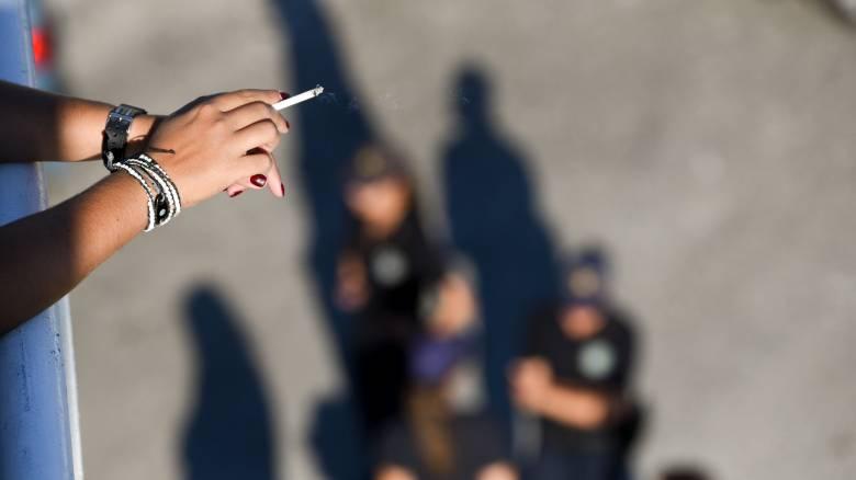 Αντικαπνιστικός νόμος: Αυτά είναι τα πρόστιμα για τους καπνιστές - Ποιοι άλλοι πληρώνουν