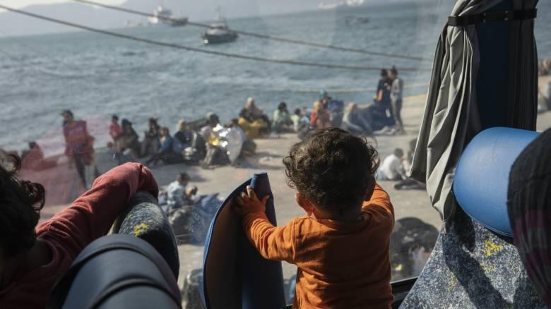 Προσφυγικό: Ρεκόρ με 37.025 στα νησιά – Νέα περιστατικά με πυροβολισμούς