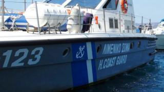Ιστιοφόρο με δεκάδες πρόσφυγες εντοπίστηκε ανοιχτά της Πύλου