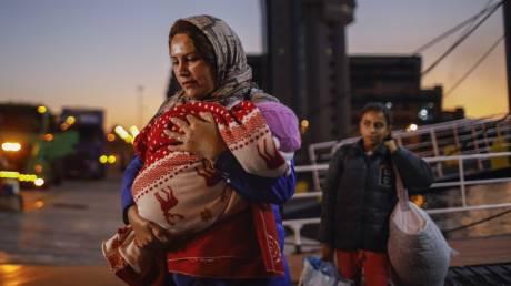 Εκτός ελέγχου το προσφυγικό: 450 πρόσφυγες έφτασαν στα νησιά του Αιγαίου από τη Δευτέρα