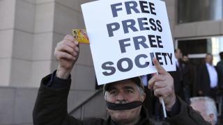 Τουρκία: Περισσότεροι από 120 δημοσιογράφοι παραμένουν κρατούμενοι σε τουρκικές φυλακές
