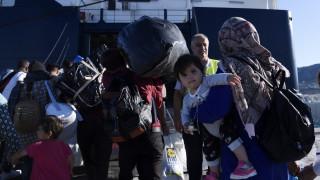 Προσφυγικό: Στο λιμάνι του Πειραιά μετανάστες από Μυτιλήνη, Χίο, Κω & Ρόδο
