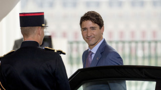 Καναδάς: Με ίσο αριθμό ανδρών και γυναικών το νέο υπουργικό συμβούλιο του Τριντό