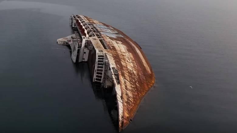 Mediterranean Sky: Το «βυθισμένο παλάτι αιμορραγεί» και εκπέμπει SOS