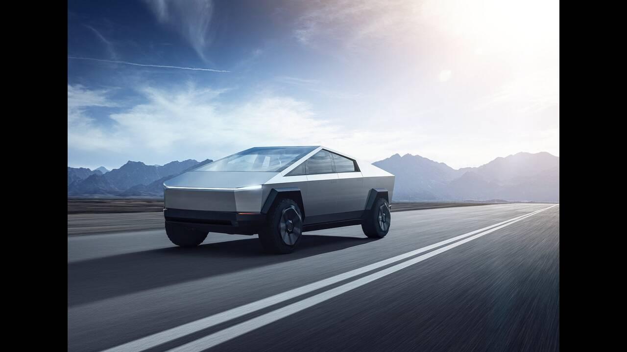 https://cdn.cnngreece.gr/media/news/2019/11/22/198258/photos/snapshot/Tesla-Cybertruck-2022-1600-01.jpg